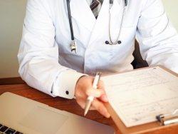 医師の7割、新型コロナで「東京五輪は延期した方がいい」