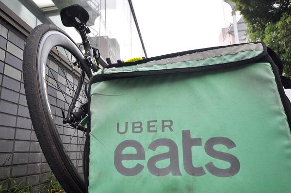 ウーバーバッグと自転車の画像