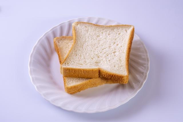朝はドラッグストアで買う100円以下の食パン
