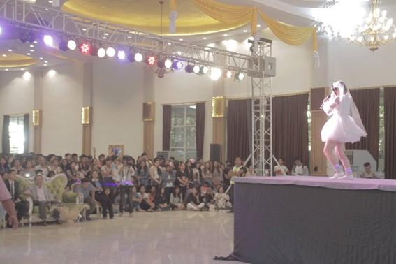 ネパールのイベントでもライブを披露した(提供写真)